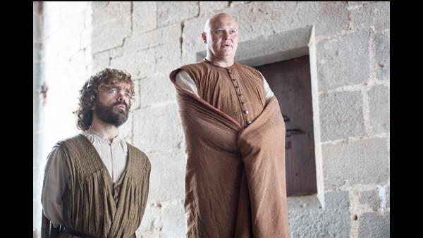 Tyrion Lannister y Varys, en la sexta temporada de 'Juego de Tronos'.