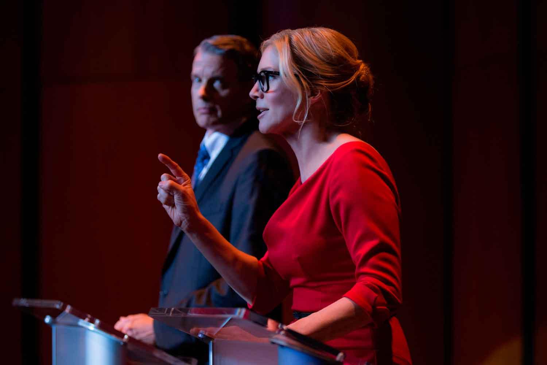 Election: la noche de las bestias - Kyle Secor y Elisabeth Mitchell