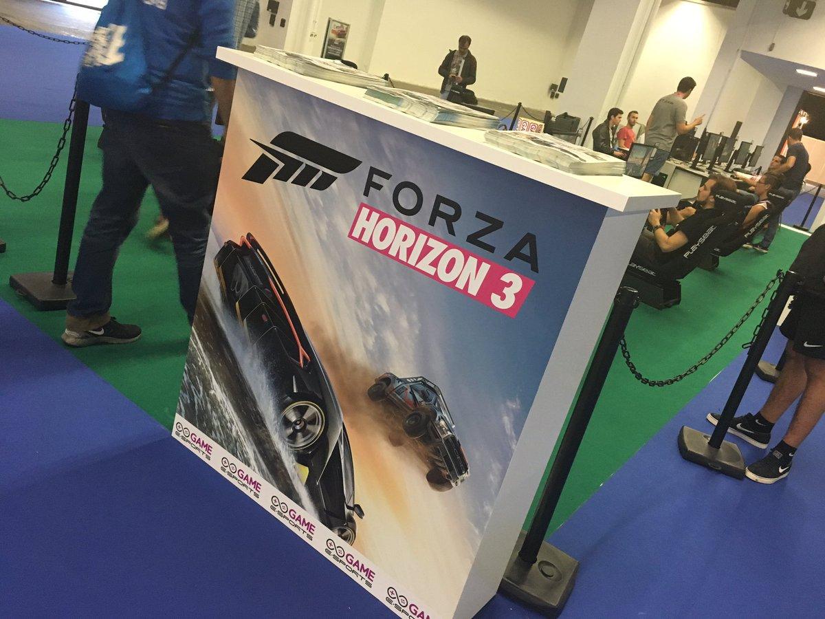 Puestos de juego de Forza Horizon 3 en Barcelona Games World.