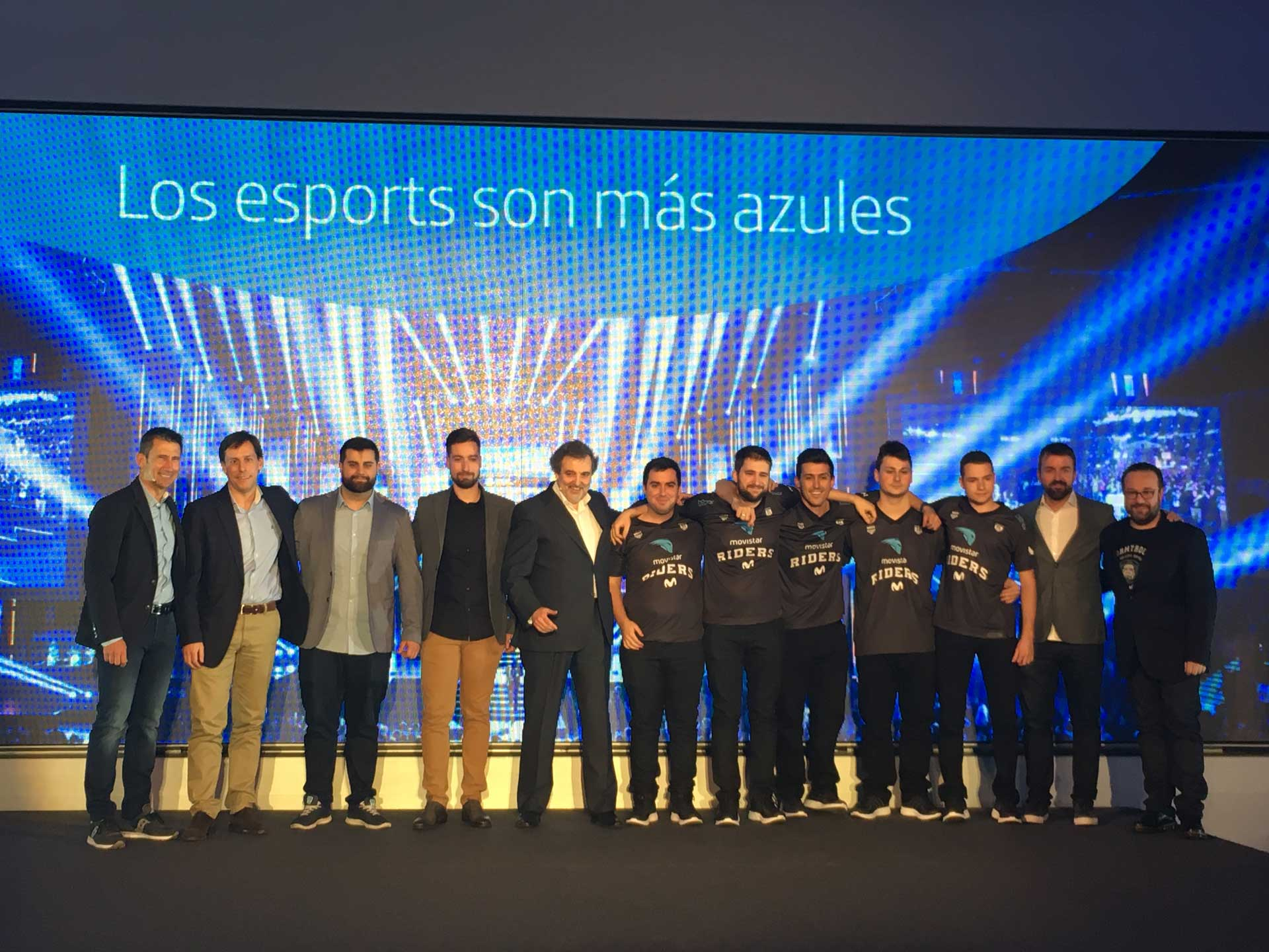 Club Movistar Riders