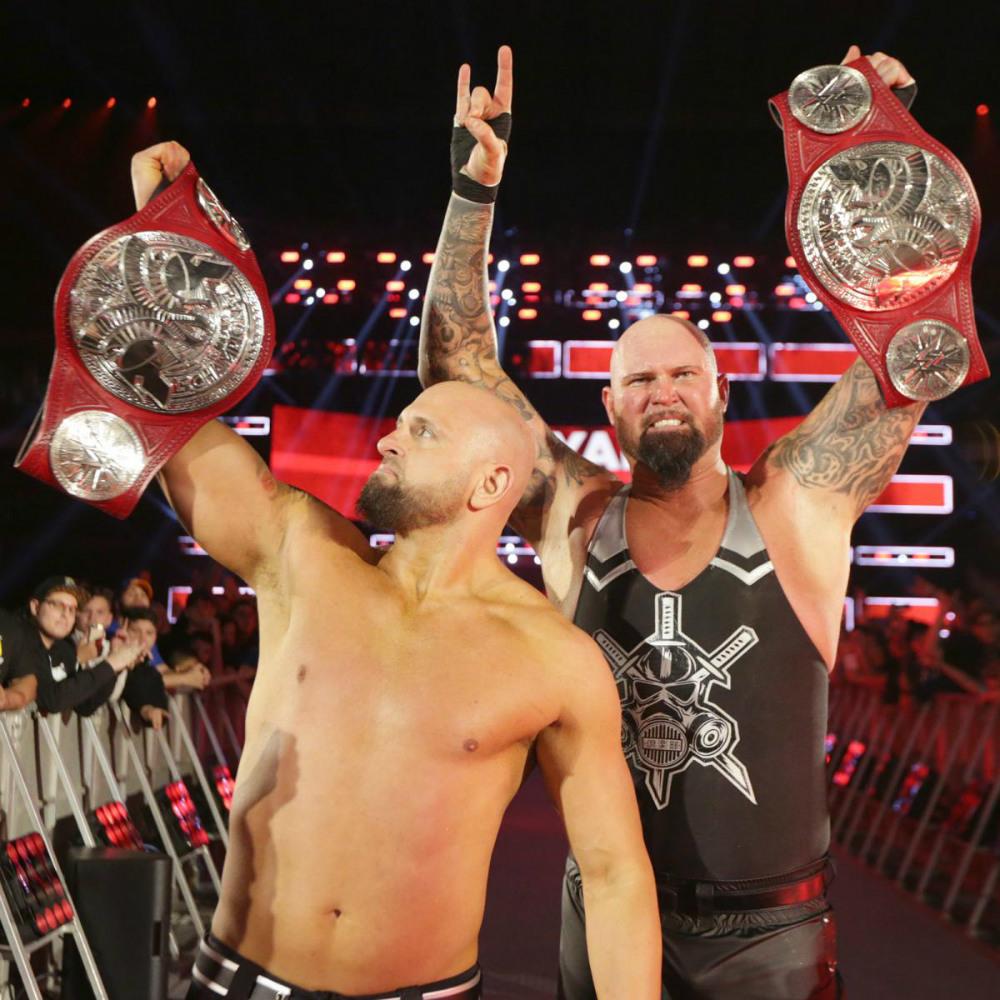 The Club nuevos Campeones por Equipos de Raw