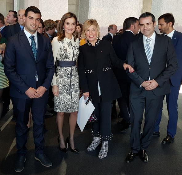 Premio Acción Magistral con la Reina Letizia