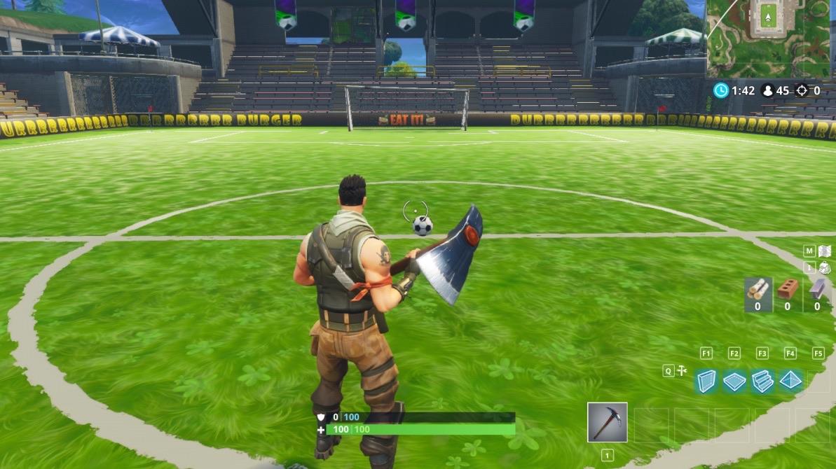 Marca un gol en campos diferentes c mo completar el desaf o de fortnite br gu as y trucos en - Como vallar un campo ...