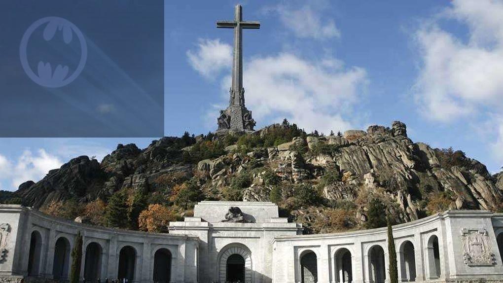 Una iniciativa para que Batman sustituya a la cruz en el Valle de los Caídos