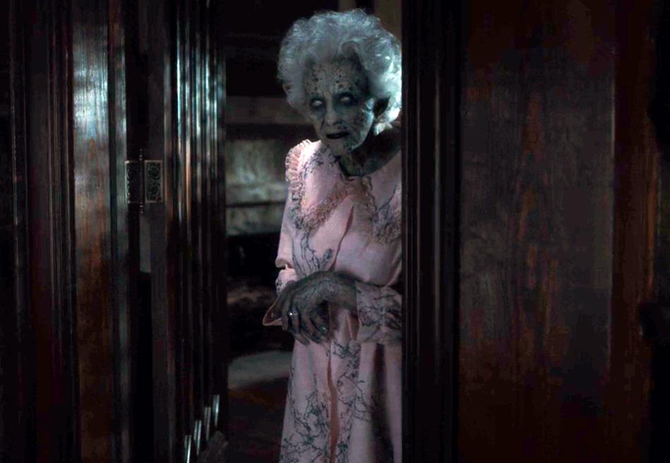 La maldición de Hill House - La anciana
