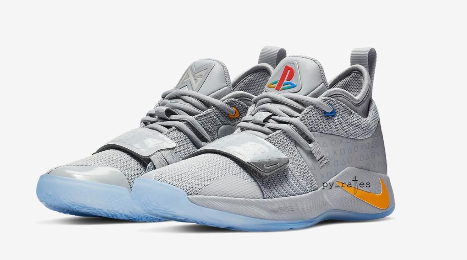 Así son las nuevas zapatillas Nike temáticas de PlayStation 2
