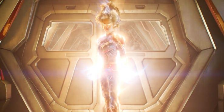 12. Traje cósmico moderno de Capitana Marvel