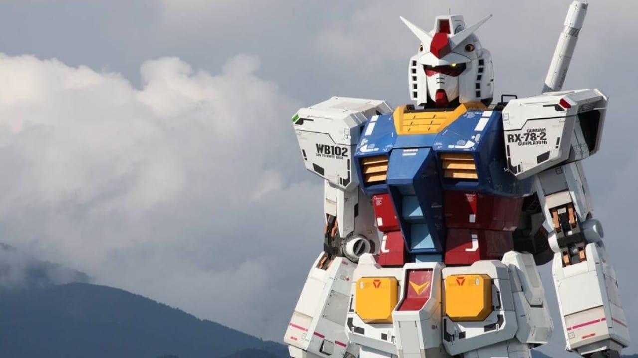 Primeros pasos del Gundam gigante de Yokohama