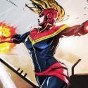 Capitana Marvel con casco