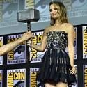 Taika Waititi y Natalie Portman anunciando la película Thor Amor y Trueno