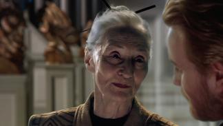 Alethea McGrath interpretó a la bibliotecaria Jedi, Jocasta Nu, en Star Wars: El Ataque de los Clones