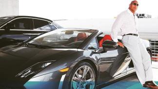 Dwayne Johnson y un espectacular Lambo Spyder. ¿Sabes qué modelo es?