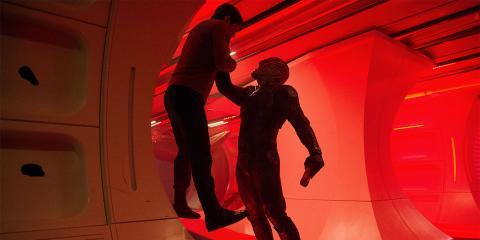 Kirk y Krall en Star Trek: más allá