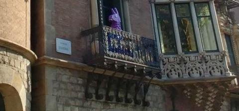 Fortnite llama Barcelona