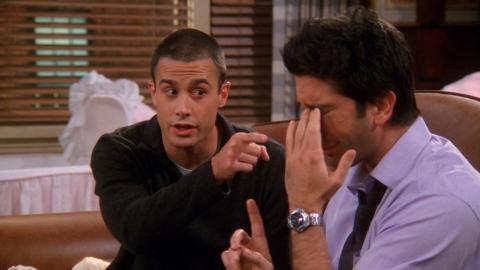 Friends - Ross y Sandy, el niñero de Emma