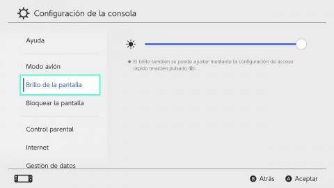 Nintendo Switch Lite menu brillo y mandos