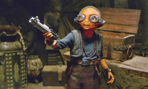 Star Wars - Maz Kanata y el sable de Luke Skywalker