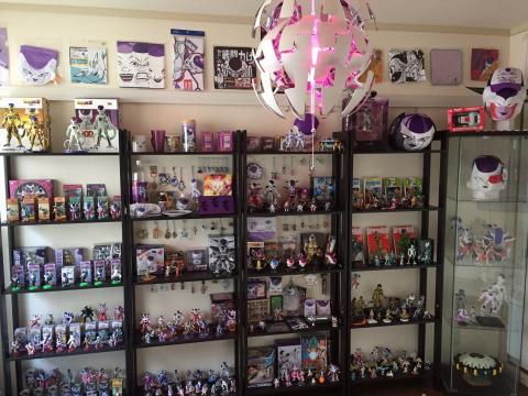 Dragon Ball Z - La habitación de Freezer del mayor fan del mundo