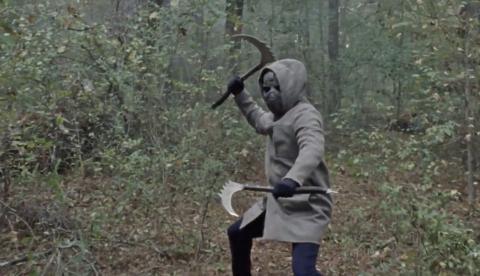 El misterioso enmascarado de The Walking Dead 10x16