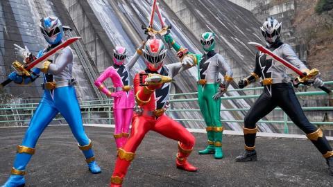 Power Rangers (2020)
