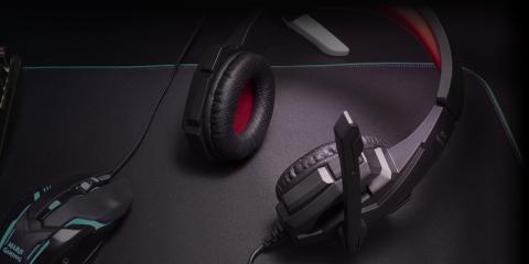 Auriculares gaming de Mars Gaming en color negro y rojo