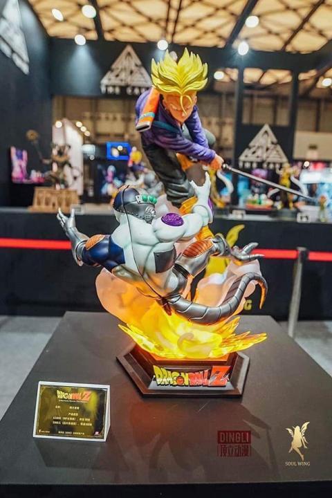 Dragon Ball Z - La primera resina oficial de Trunks del futuro cortando a Freezer ya es una realidad