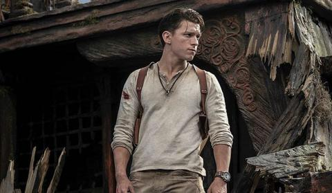 Tom Holland en la película de Uncharted