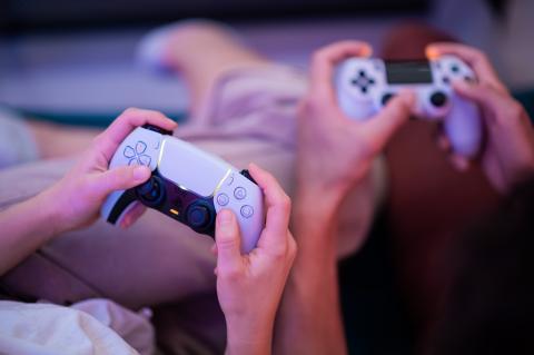 Mandos de PS5 y PS4