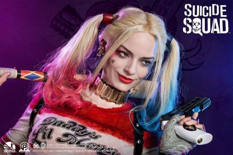 Busto a tamaño real de Harley Quinn