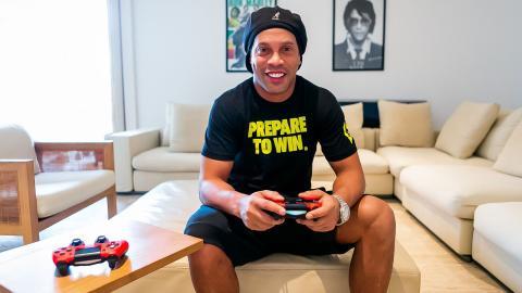 FIFA 21 Ronaldinho R10