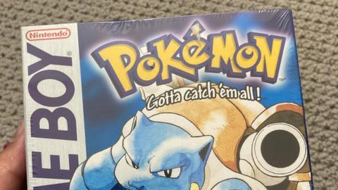 Pokémon Azul precintado