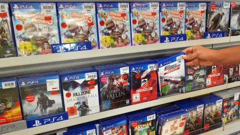 Tienda con juegos de PS4