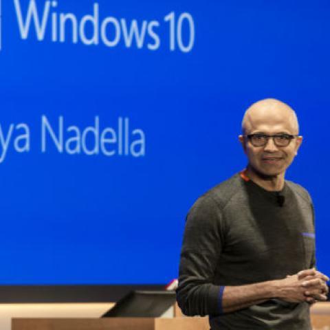 Los móviles no forman parte de la estrategia para el futuro de Microsoft, según su CEO Satya Nadella.