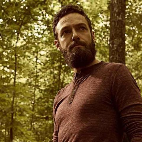 <div>Aaron en The Walking Dead 9x06</div>