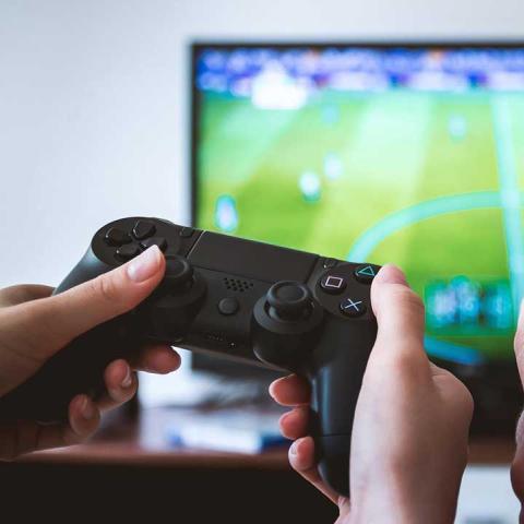Jugar videojuegos