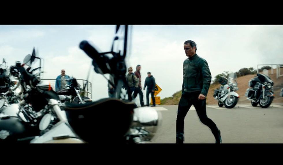 Terminator Génesis, el malo va hacia las Harley.