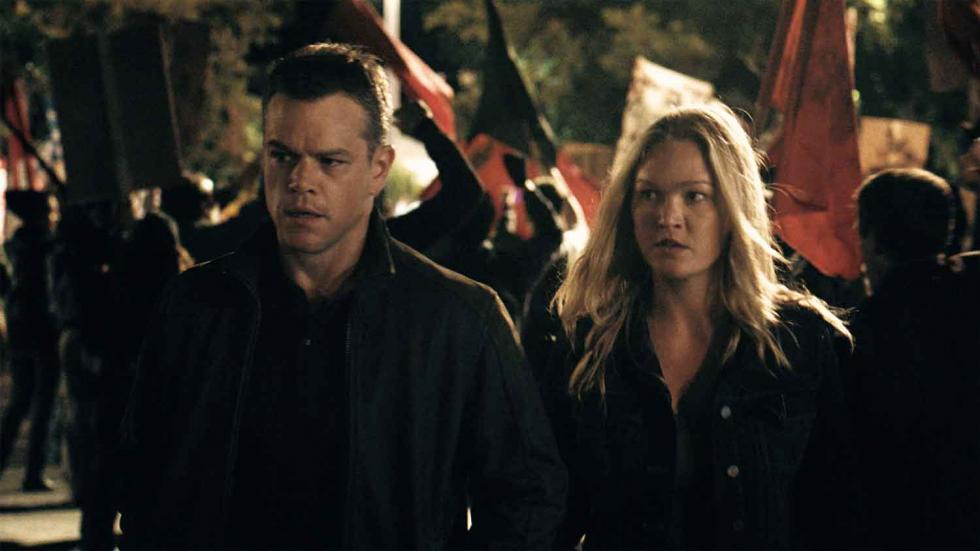 Matt Damon y Julia Stiles como Nicky Parsons en Jason Bourne
