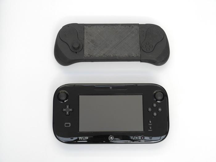 Comparativa de tamaño de Smach Z con el mando de Wii UI