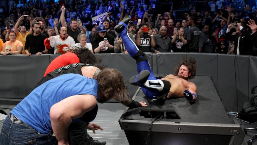 Lucha Eliminatoria Masculina Tradicional - Raw vs. SmackDown