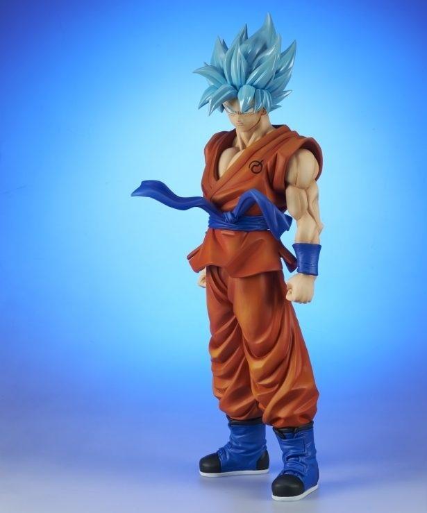 Gigantic Goku Super Saiyan Blue