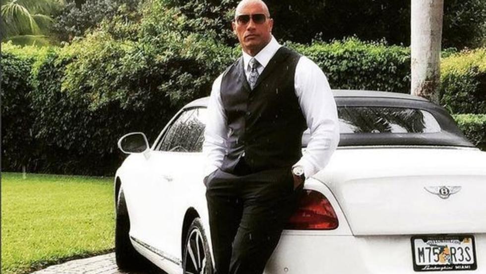 Menudo pedazo Bentley que Dwayne Johnson ha conducido