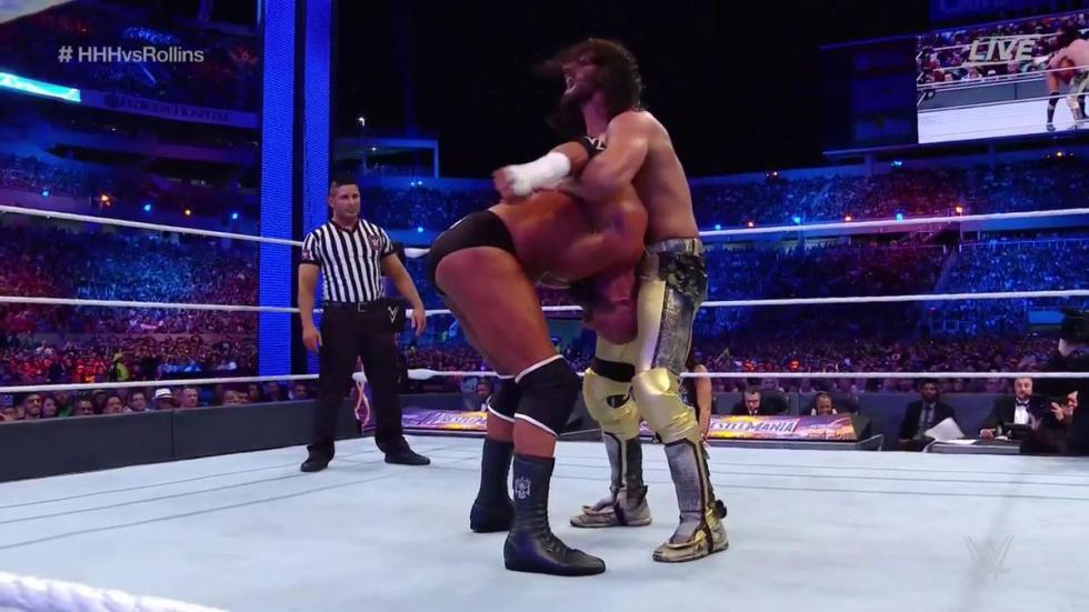 WrestleMania 33 - Triple H vs. Seth Rollins (Combate sin sanción)