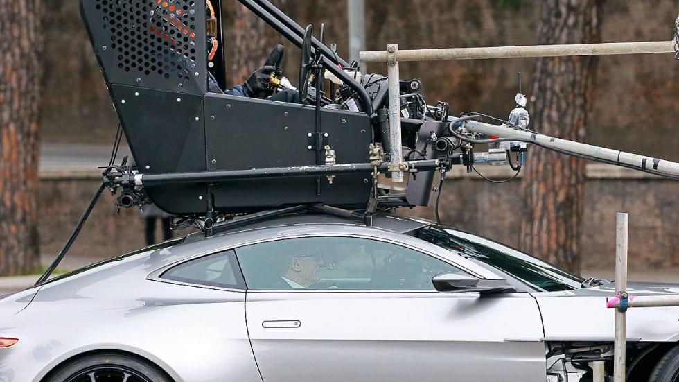 ¿Sabías que Daniel Craig no conducía tan bien como pensabas? La escenas las hace