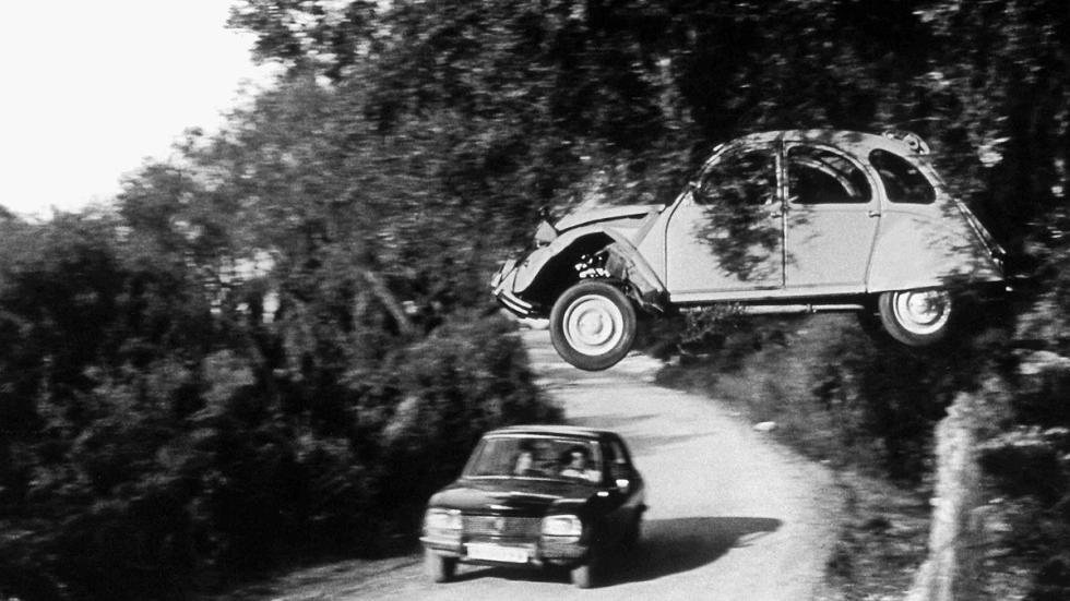 Volando al volante de un 2CV en 'Solo para sus ojos' (1981)