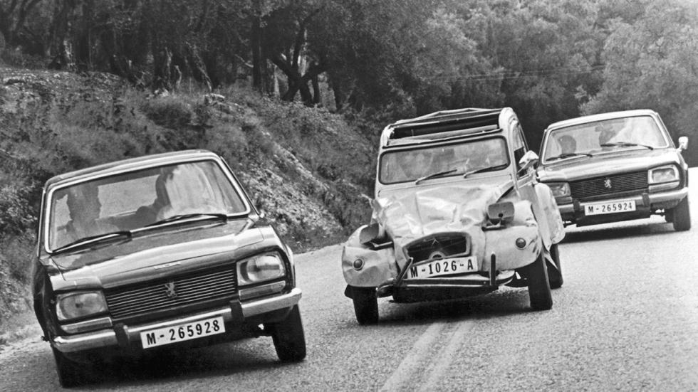 En 'Solo para sus ojos' (1981) Bond destrozaba un Citroën 2CV.