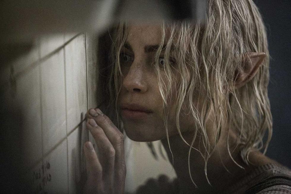 Lucy Fry en Bright, la nueva película de Netflix