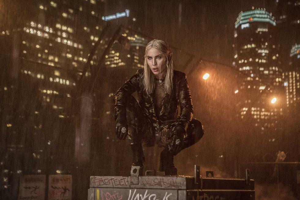 Noomi Rapace en Bright, nueva película de Netflix