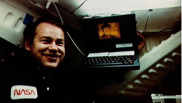 GRID Compass a bordo del Discovery en junio de 1985