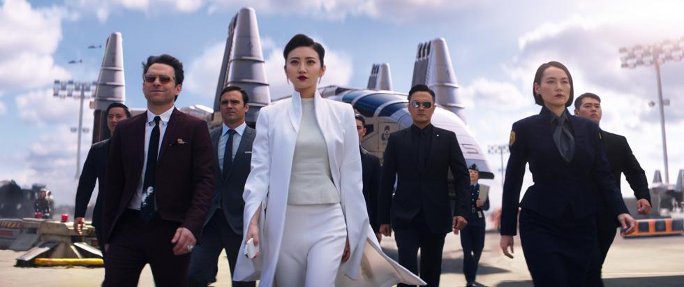 Charlie Day y Jing Tian en Pacific Rim: Insurrección
