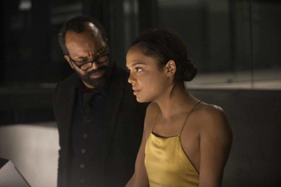 Jeffrey Wright y Tessa Thompson en la temporada 2 de Westworld